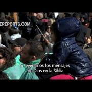 Francisco en el Ángelus: Ojalá tratáramos la Biblia como a nuestro celular