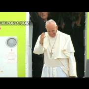 Francisco regresa a Roma tras un intenso y espiritual viaje a Fátima