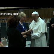 Papa a familiares de víctimas de atentados: No respondáis al odio con odio