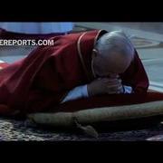 Francisco preside la ceremonia de la Pasión de Cristo en Viernes Santo