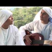 Comunicadoras. Canto Hna Ma. Valentina y Hna Alejandra